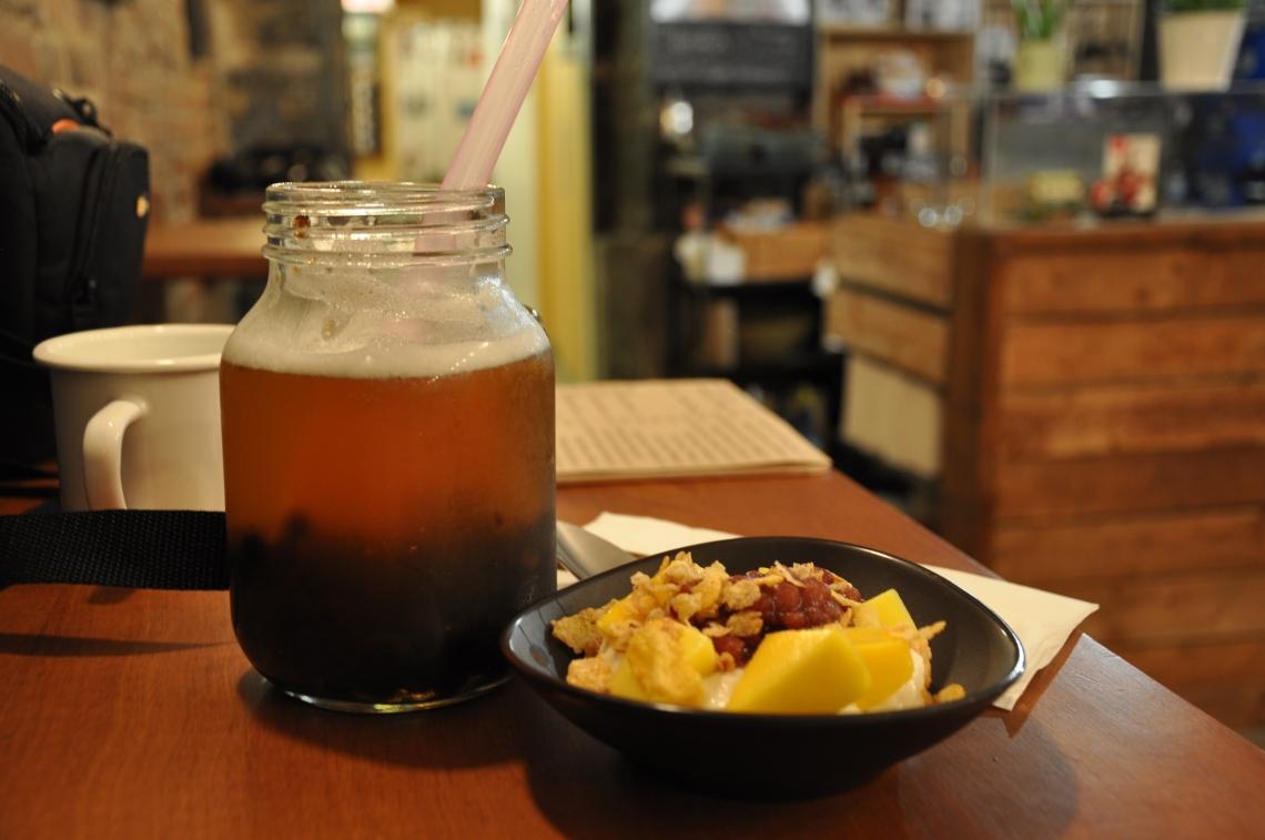 chillax-lychee-oolong-mango-sticky-rice.JPG